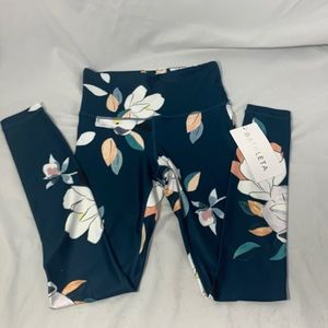Athleta Floral Elation 7/8 tight